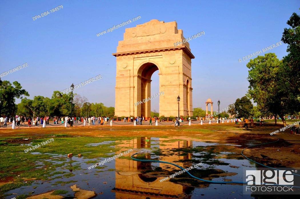 Stock Photo: india gate new delhi india.