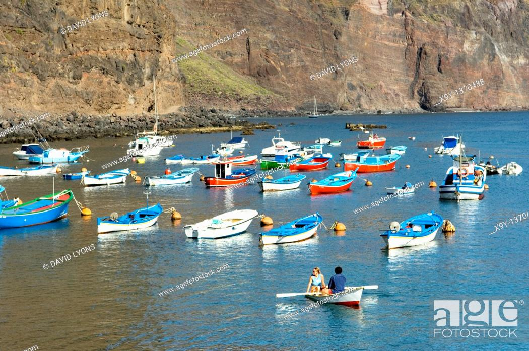 Stock Photo: La Gomera, Canary Islands  Pleasure boats in the marina harbour of Puerto de Vueltas, Valle Gran Rey.