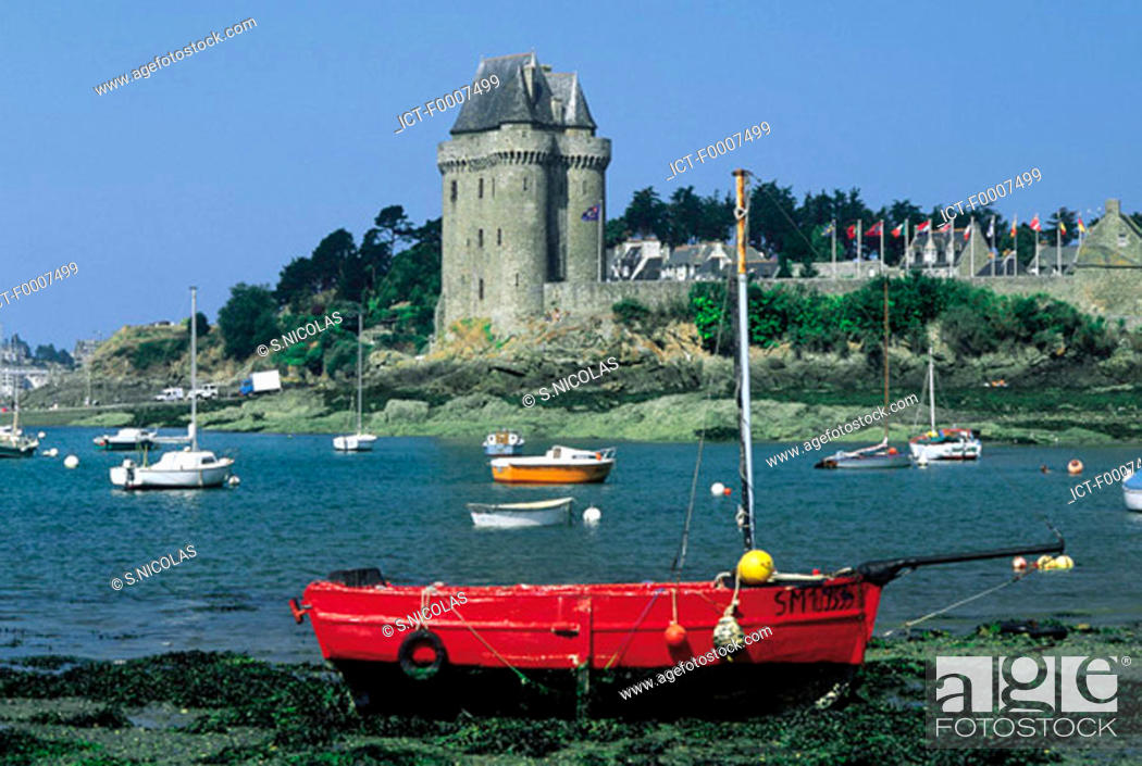 Stock Photo: France, Brittany, St Malo, St Servan, Solidor Tower.