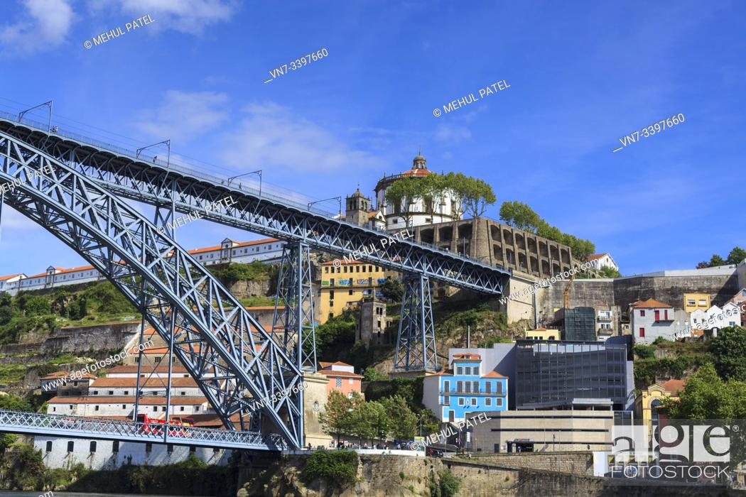 Imagen: View of the Mosteiro (Monastery) da Serra Do Pilar above the Ponte Luis I - Porto, Portugal. The Monastery of Serra do Pilar is the architectural landmark of.