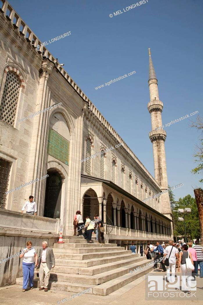 Stock Photo: Tourists visiting Sultanahmet Mosque, also known as the Blue Mosque and Sultan Ahmed Mosque, Istanbul, Turkey.