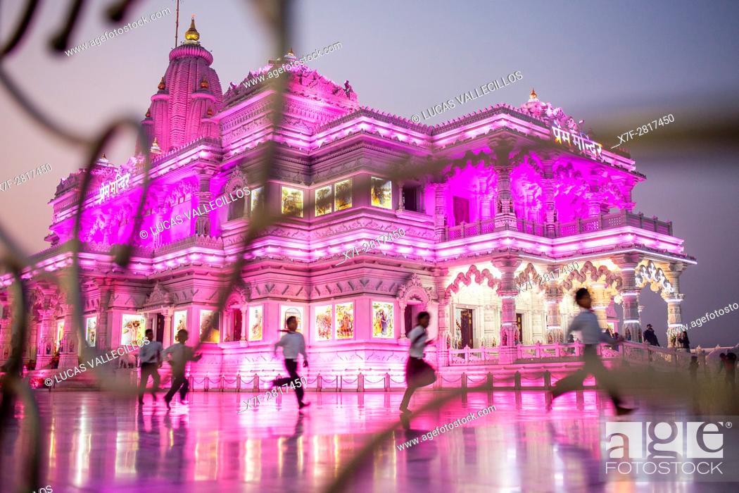 Imagen: Prem Mandir ( love temple) Temple of Divine Love, Vrindavan, Mathura, Uttar Pradesh, India.