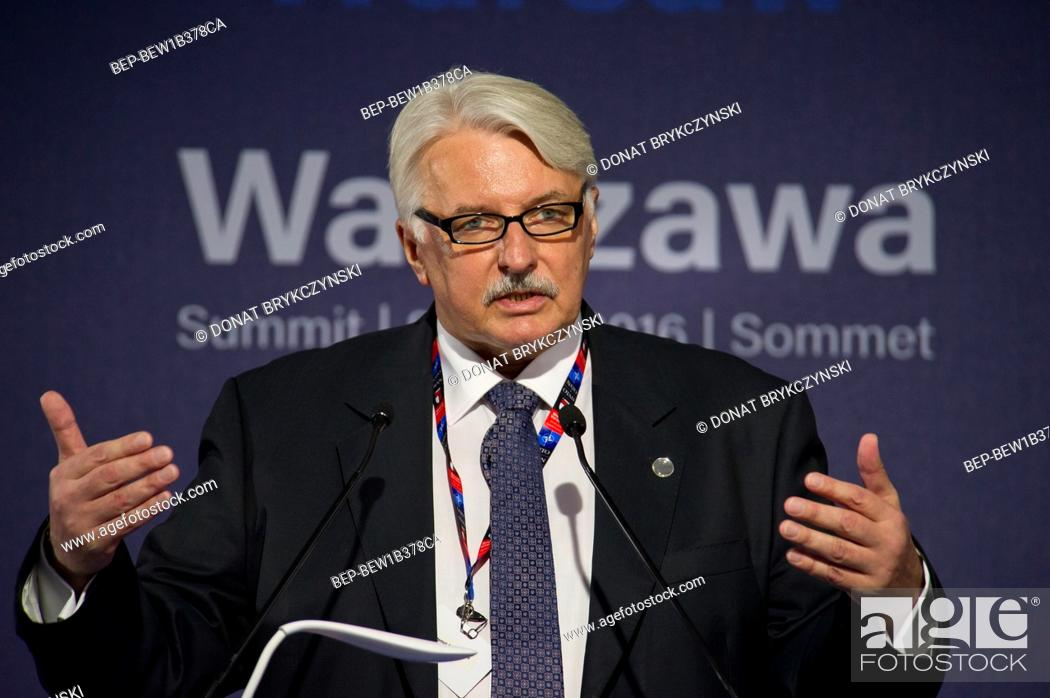 Imagen: The chief of Polish diplomacy Witold Waszczykowski at the press conference organized shortly before the NATO summit, National Stadium, Warsaw on July 8th, 2016.