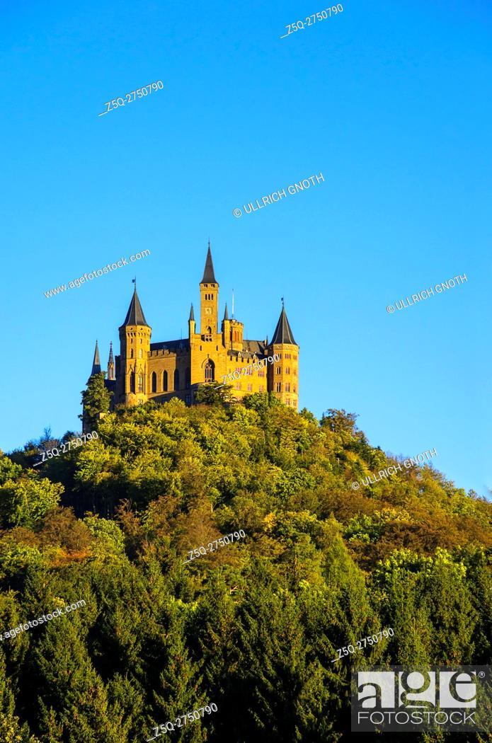 Imagen: Burg Hohenzollern Castle in the evening light, Hechingen, Baden-Wurttemberg, Germany.