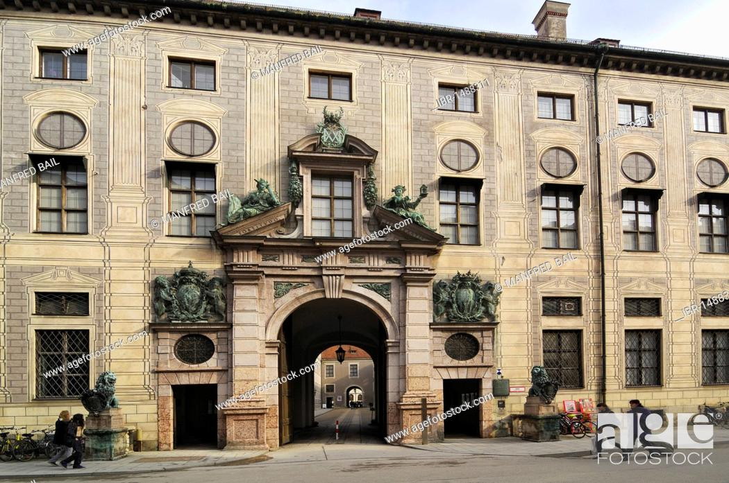 Photo de stock: Facade and gate of the Munich Residenz palace, Residenzstrasse 1, Munich, Bavaria, Germany, Europe.