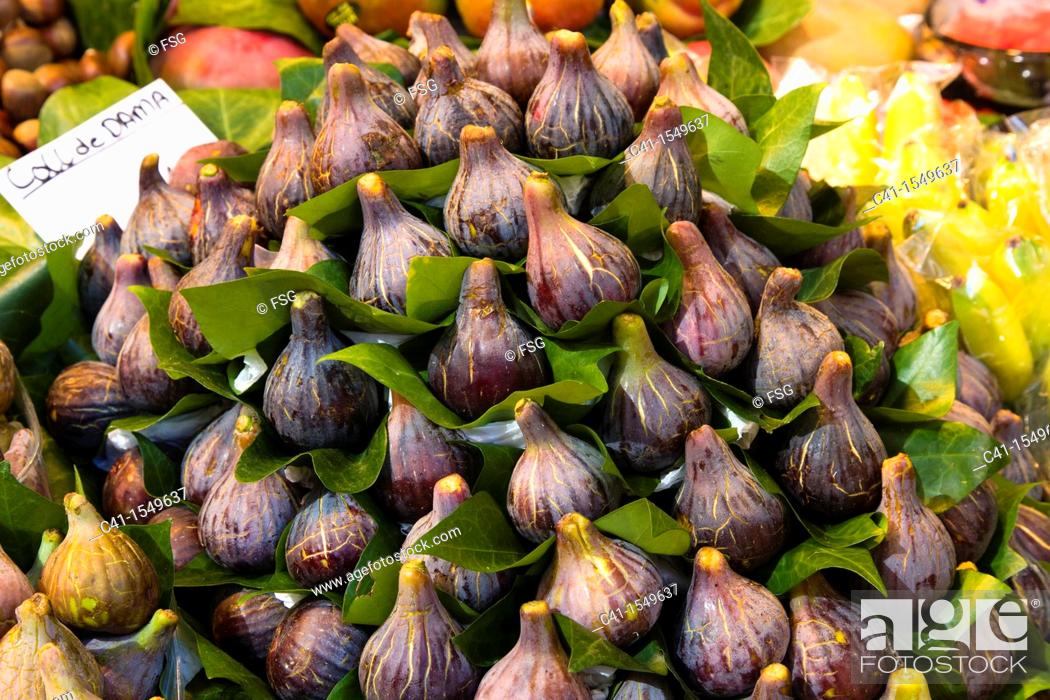 Stock Photo: Figs at La Boqueria market, Barcelona, Spain.