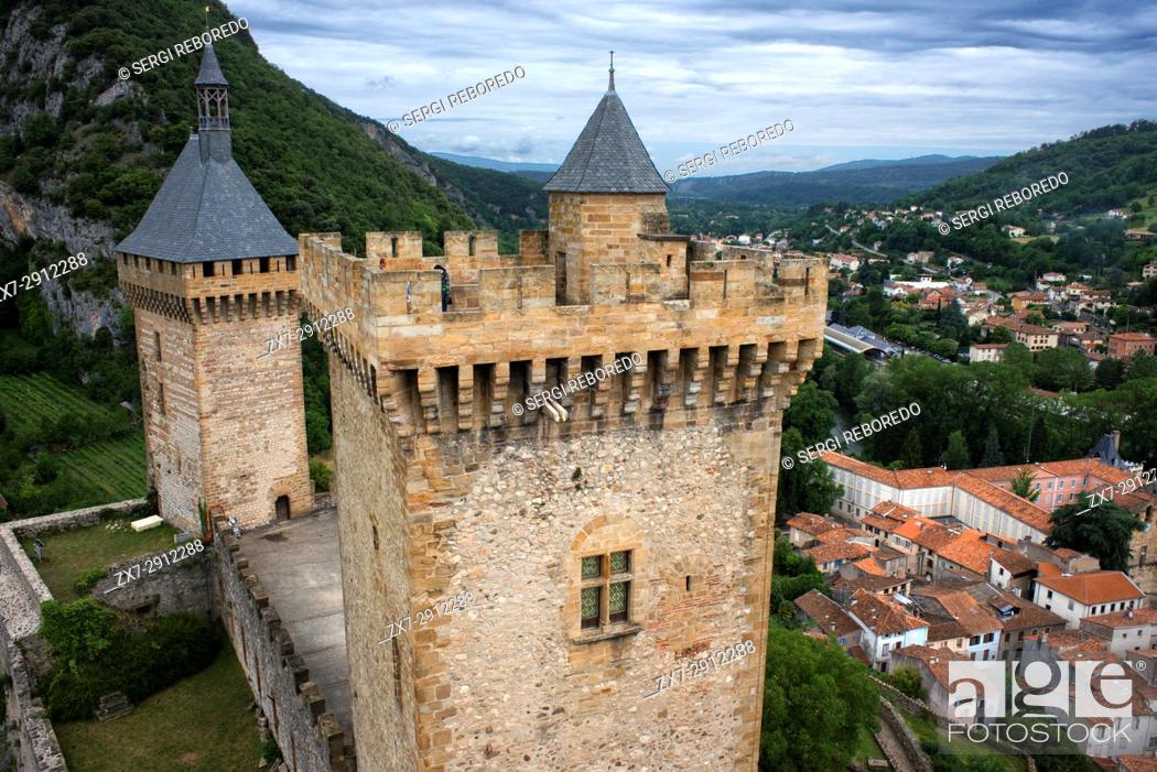 Stock Photo: Mediaeval castle and town Foix, Midi-Pyrénées, Pyrenees, departement of Ariege, France, Europe. Gaston Phoebus contal Castle of the Counts of Foix.