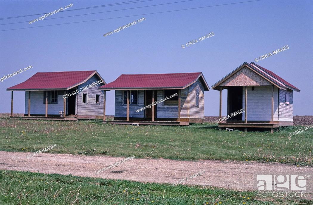 Stock Photo: Youngville Cafe Cabins, Route 30, near Van Horne, Iowa, USA, John Margolies Roadside America Photograph Archive.