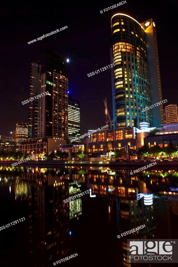 Stock Photo: Yarra River at night, Melbourne, Australia.