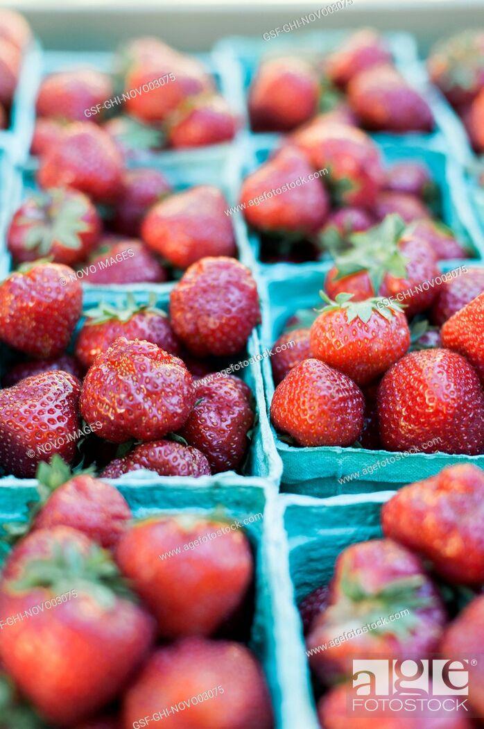 Imagen: Strawberries at Market.
