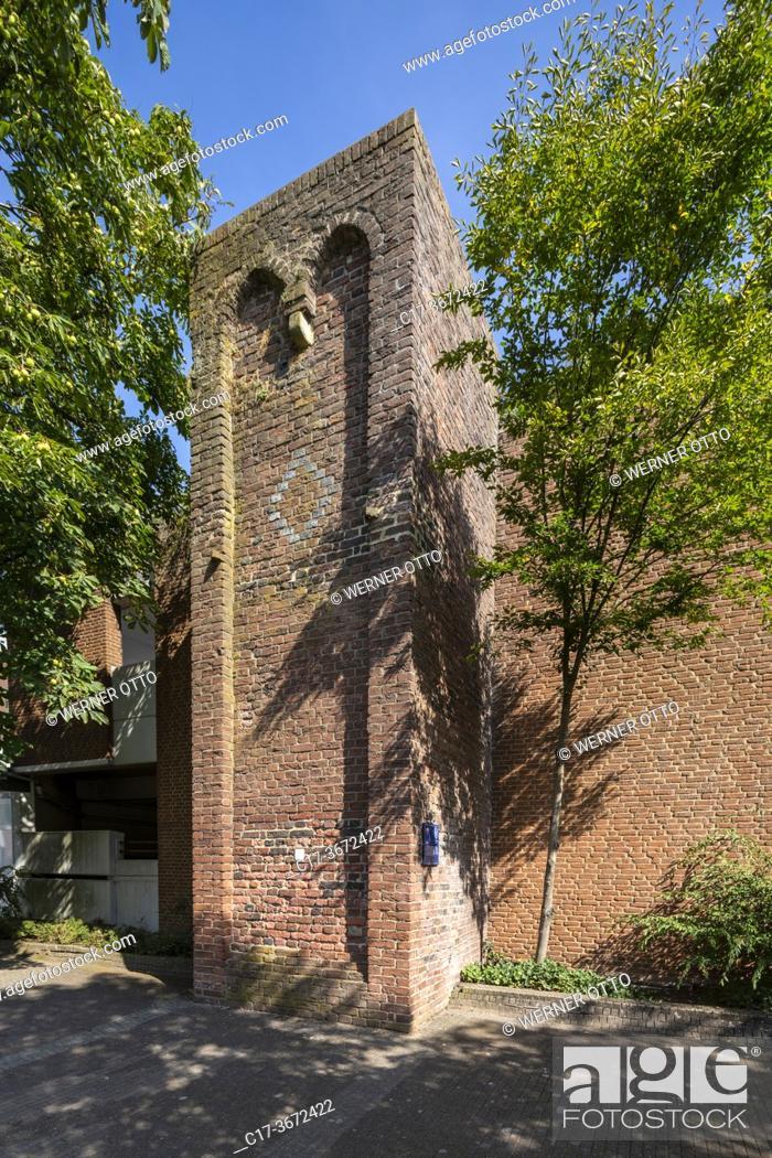 Stock Photo: Borken, D-Borken, Hohe Mark Westmuensterland Nature Park, Muensterland, Westphalia, North Rhine-Westphalia, NRW, Baer Tower, defence tower, brick building.