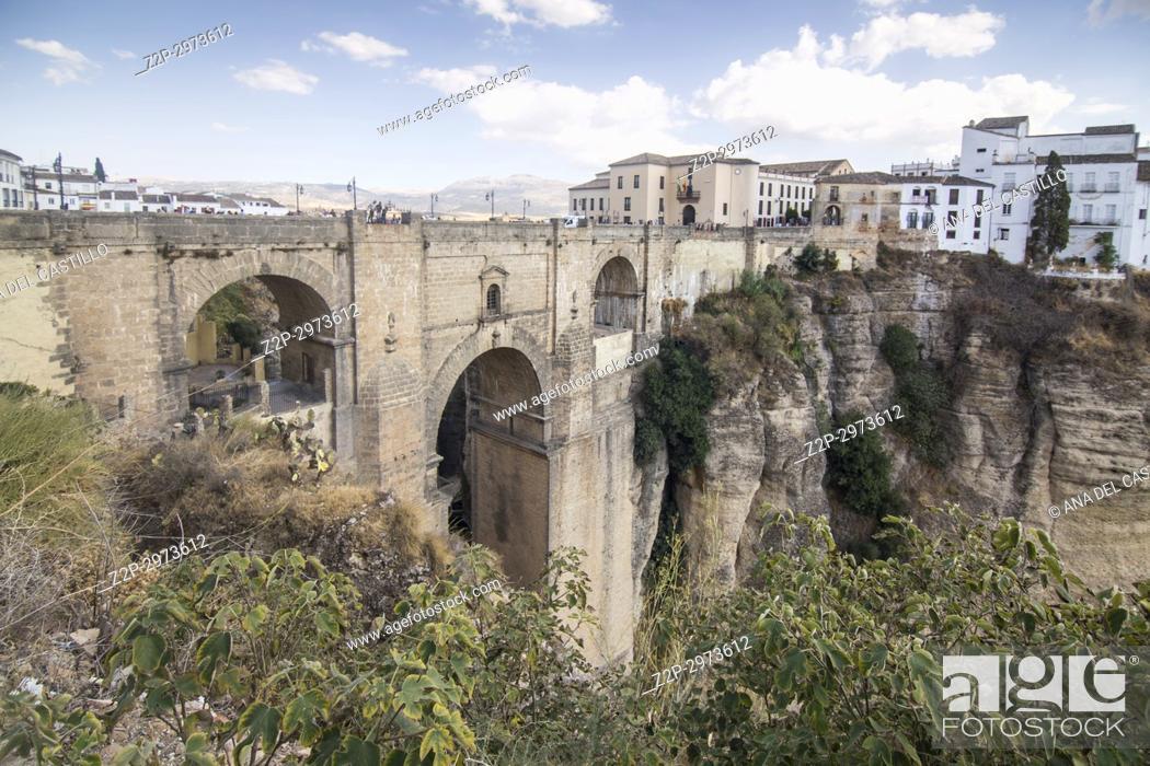 Imagen: Ronda Bridge Malaga province, Andalusia, Spain.
