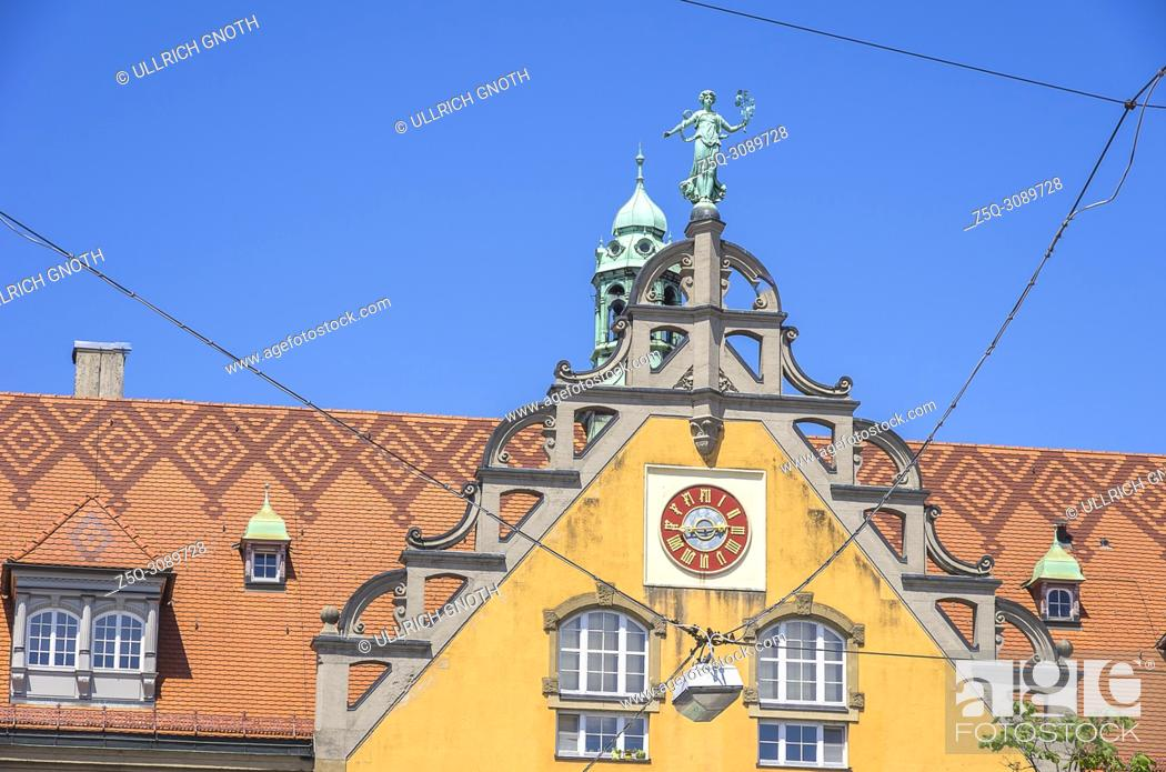 Imagen: Lindau am Bodensee, Bavaria, Germany - Gable of the former main post office.