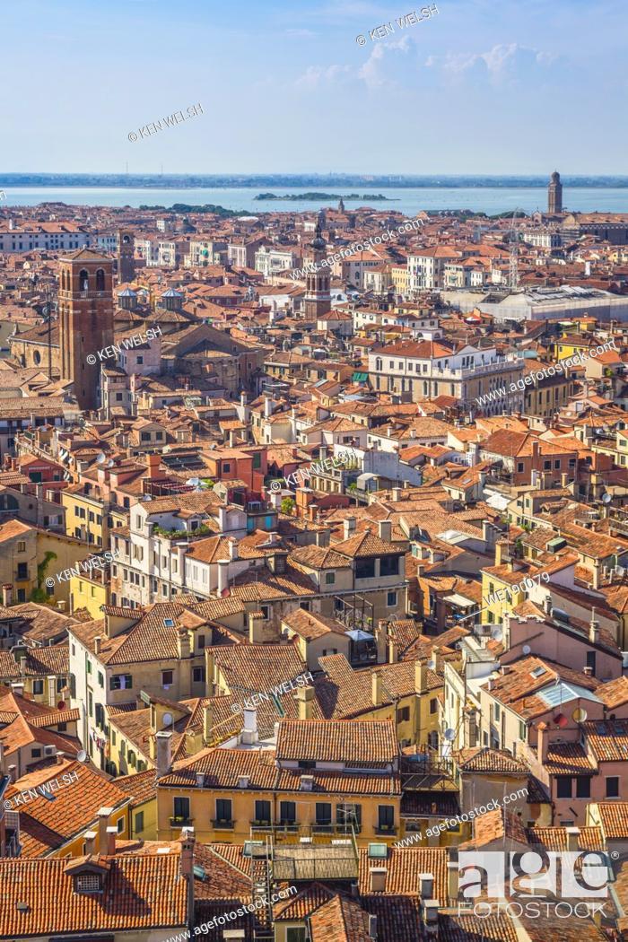Photo de stock: Venice, Venice Province, Veneto Region, Italy. Venetian rooftops seen from the Campanile in St. Mark's Square. Venice is a UNESCO World Heritage Site.