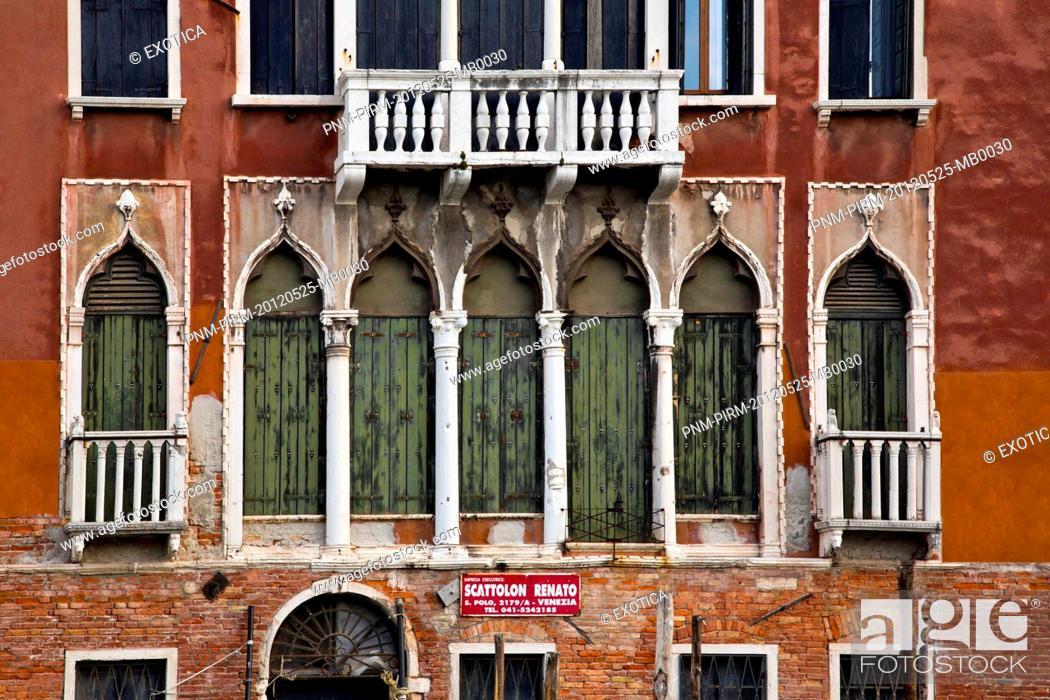 Photo de stock: Low angle view of a building, Venice, Veneto, Italy.