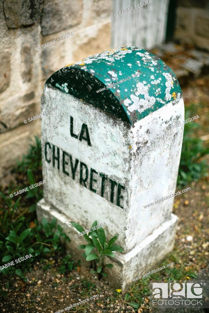 Stock Photo: Road boundary La Chevrette in a street of Barbizon. Ile-de-France. Seine-et-Marne. France. Europe.