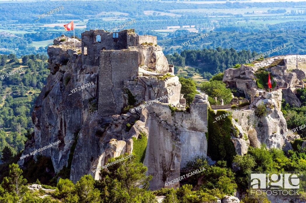 Stock Photo: Europe. France. Bouches-du-Rhone. Alpilles hills. Regional park of the Alpilles. Les Baux de Provence, labeled the most beautiful villages in France.