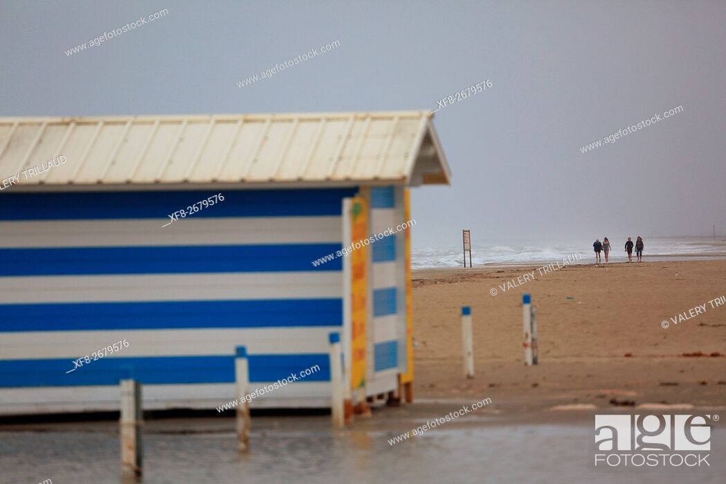 Stock Photo: Beach in Languedoc Roussillon between Agde and Sete, France.