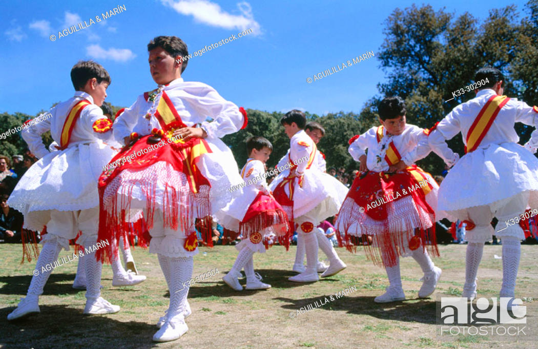 Stock Photo: Dancers. Mentrida. Toledo province. Castilla-La Mancha. Spain.