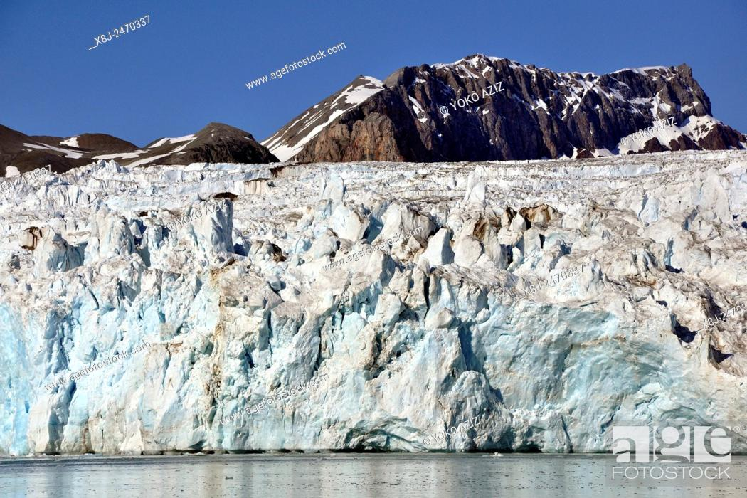 Stock Photo: Norway, Svalbard islands, Spitsbergen island, icebergs and glacier.