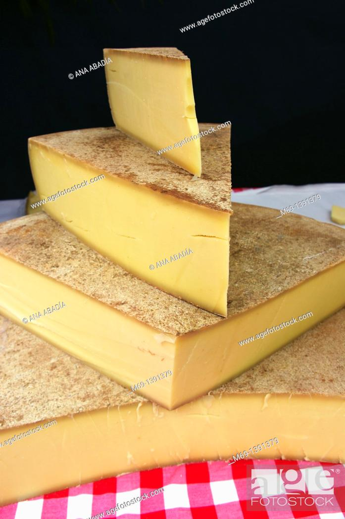 Stock Photo: Sale of cheese.