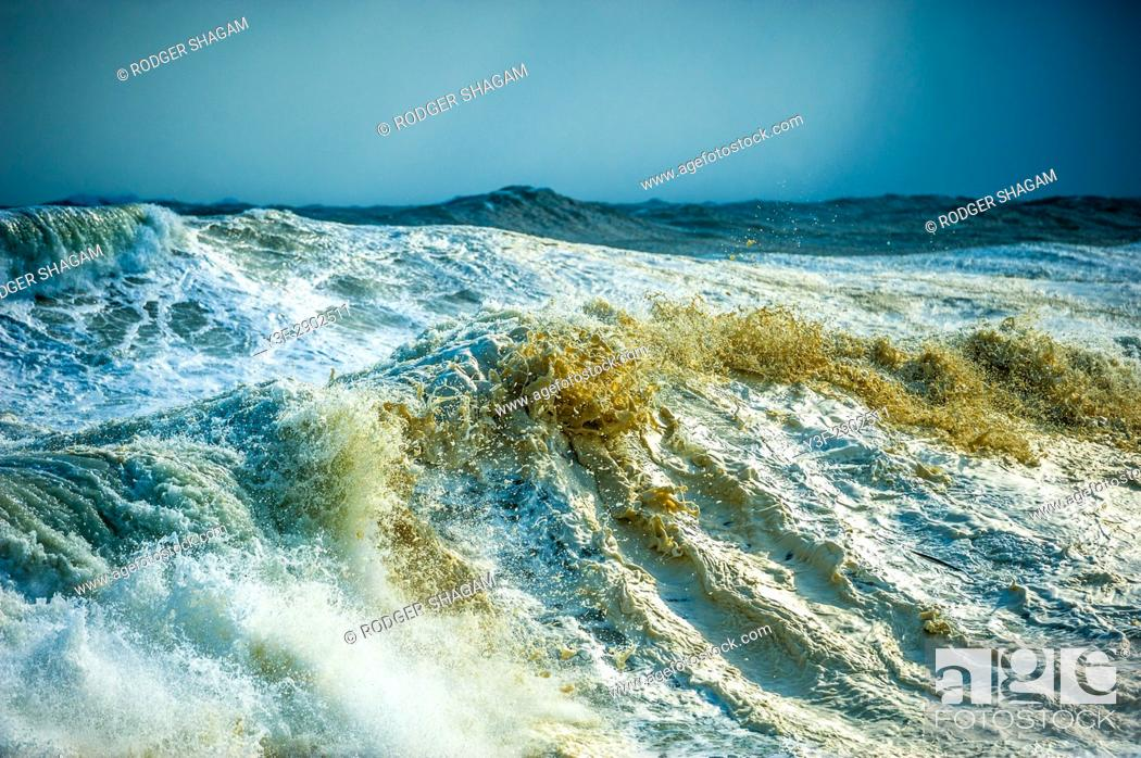 Stock Photo: Rough seas ahead of the cold front. Cape Town.