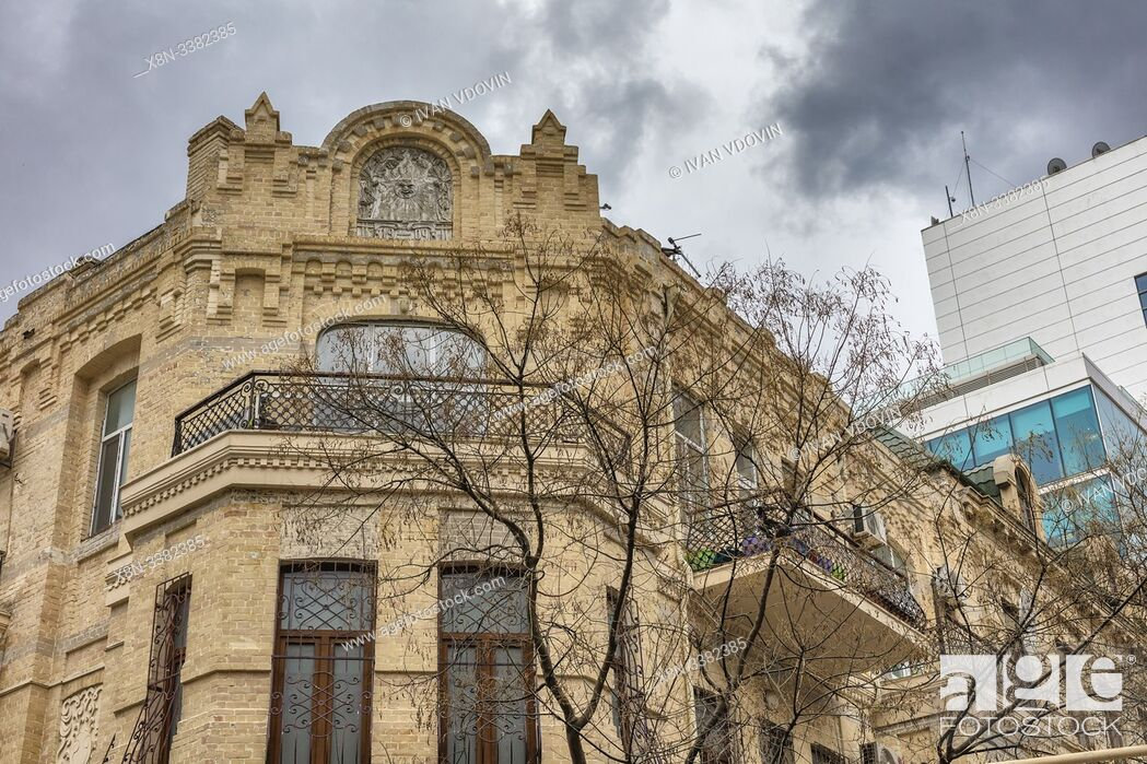 Stock Photo: Vintage apartment building, Baku, Azerbaijan.