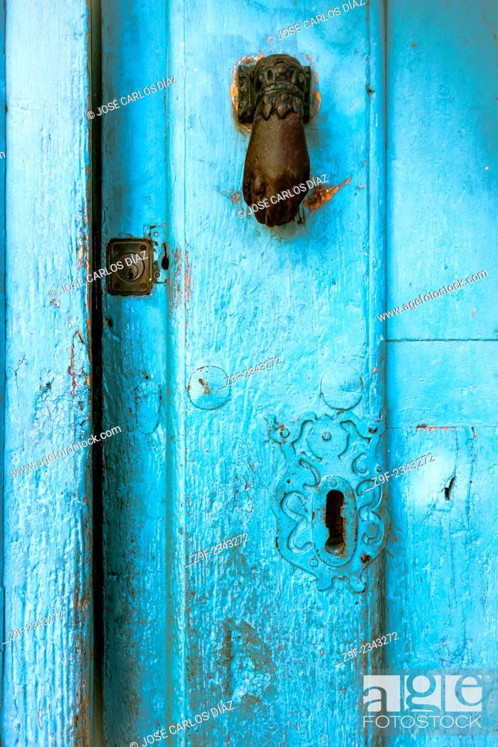 Photo de stock: Knocker and locks of a house in Sepulveda, Segovia province, Castilla-Leon, Spain.