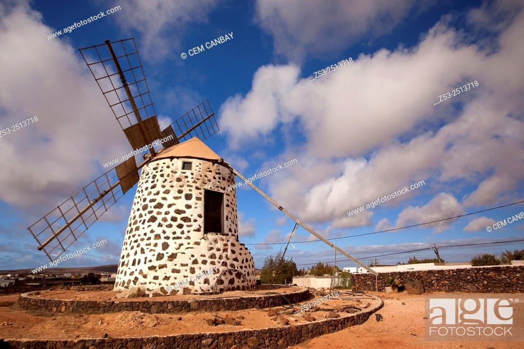 Stock Photo: Windmill near Tefia, La Oliva, Fuerteventura, Canary Islands, Spain, Europe.