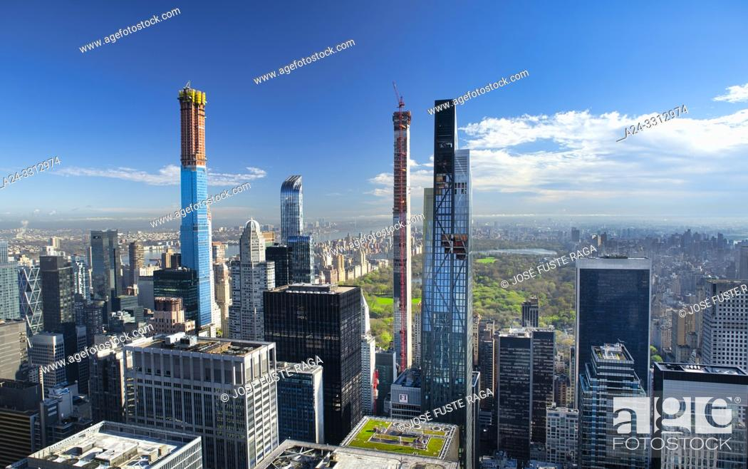 Stock Photo: USA, New York City, Manhattan, Midtown Mahattan Skyline, Central Park.