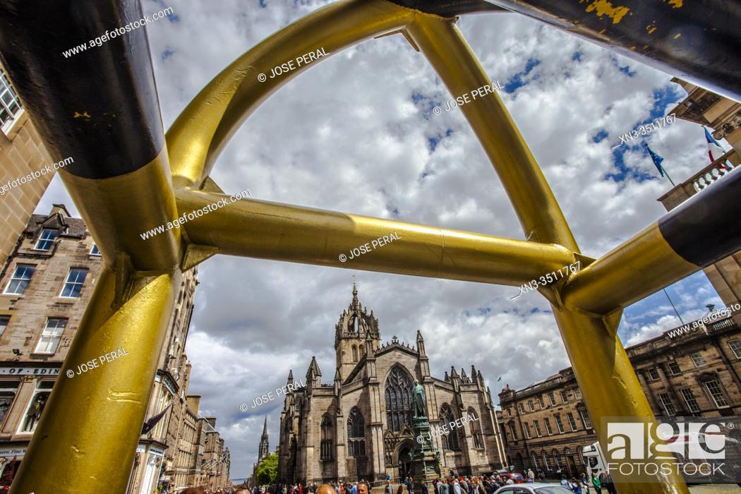 Stock Photo: St Giles' Cathedral, or the High Kirk of Edinburgh, Royal Mile, High Street, Old Town, Edinburgh, Scotland, United Kingdom, Europe.
