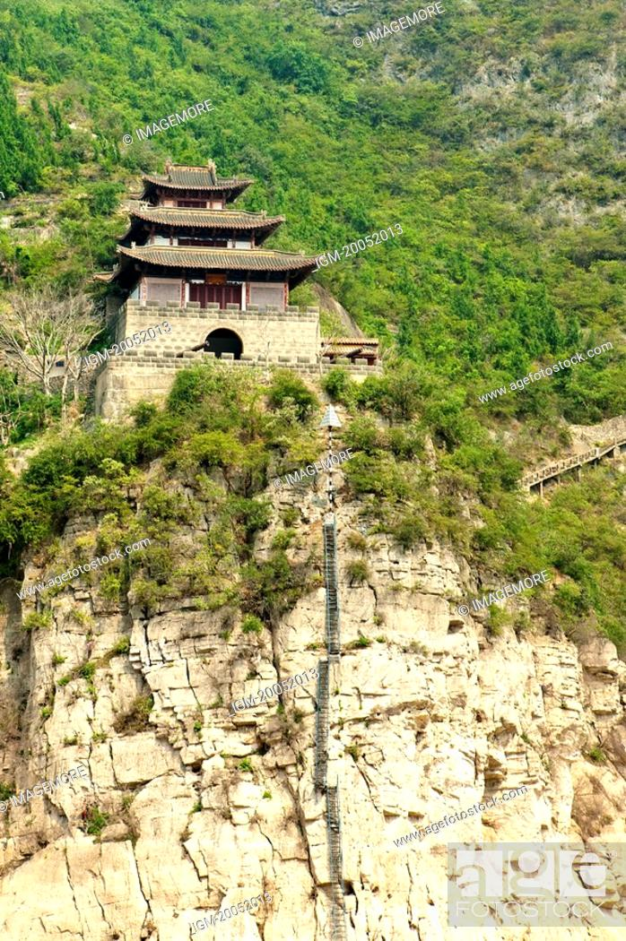 Stock Photo: China, Yangtze River, Three Gorges, Qutang Gorge.