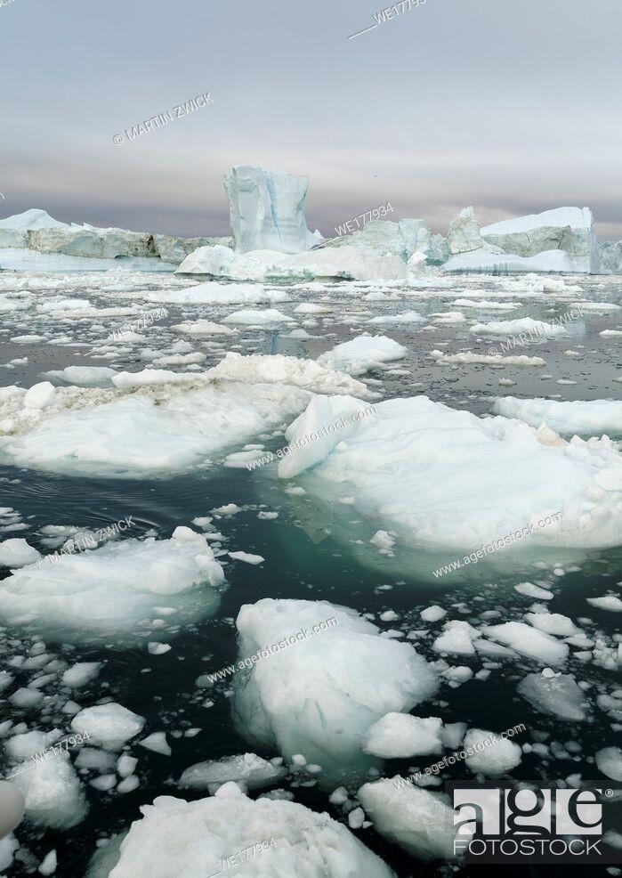 Stock Photo: Ilulissat Icefjord also called kangia or Ilulissat Kangerlua at Disko Bay. The icefjord is listed as UNESCO world heritage.