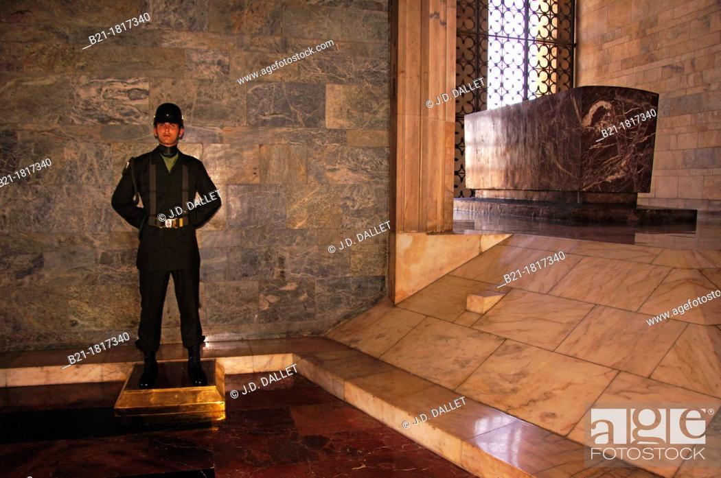 Stock Photo: Tomb of Atatürk at the 'Anitkabir' (Atatürk's Mausoleum) in the Maltepe quarter, Ankara, Turkey.