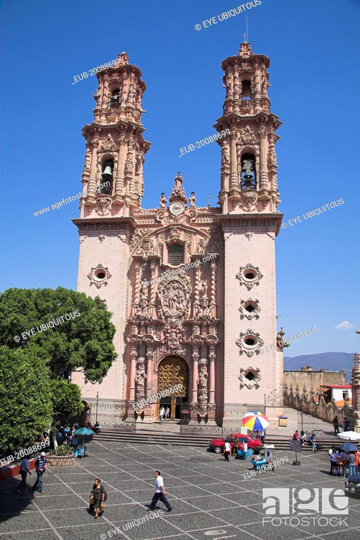 Stock Photo: Iglesia de Santa Prisca, Santa Prisca Church, Plaza Borda. Zocalo.
