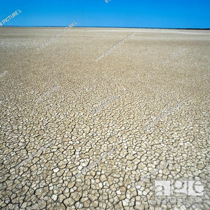 Stock Photo: Effects of drought on the land in a salt pan lake, Lake Eyre, South Australia, Australia.
