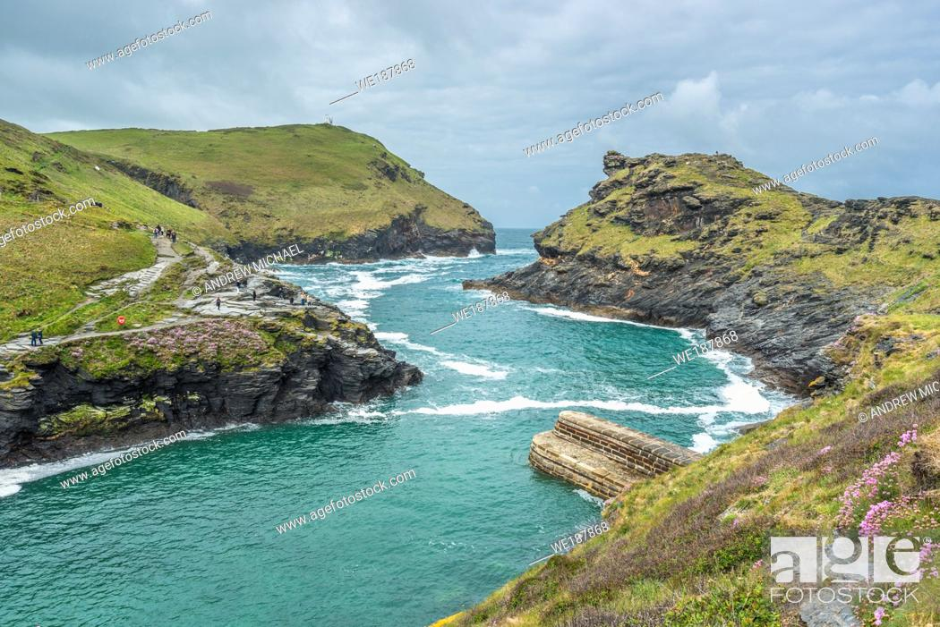 Stock Photo: Warren point at the entrance of Boscastle Harbour in North Cornwall, England, UK.