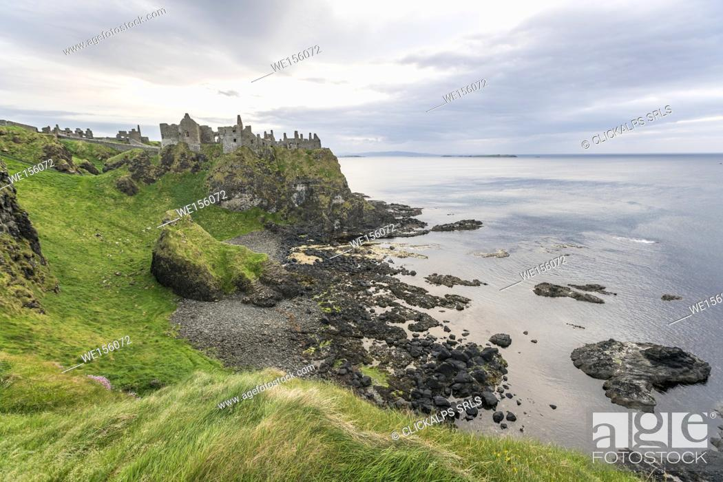 Stock Photo: UK, Northern Ireland, County Antrim, Bushmills, Dunluce Castle ruins.