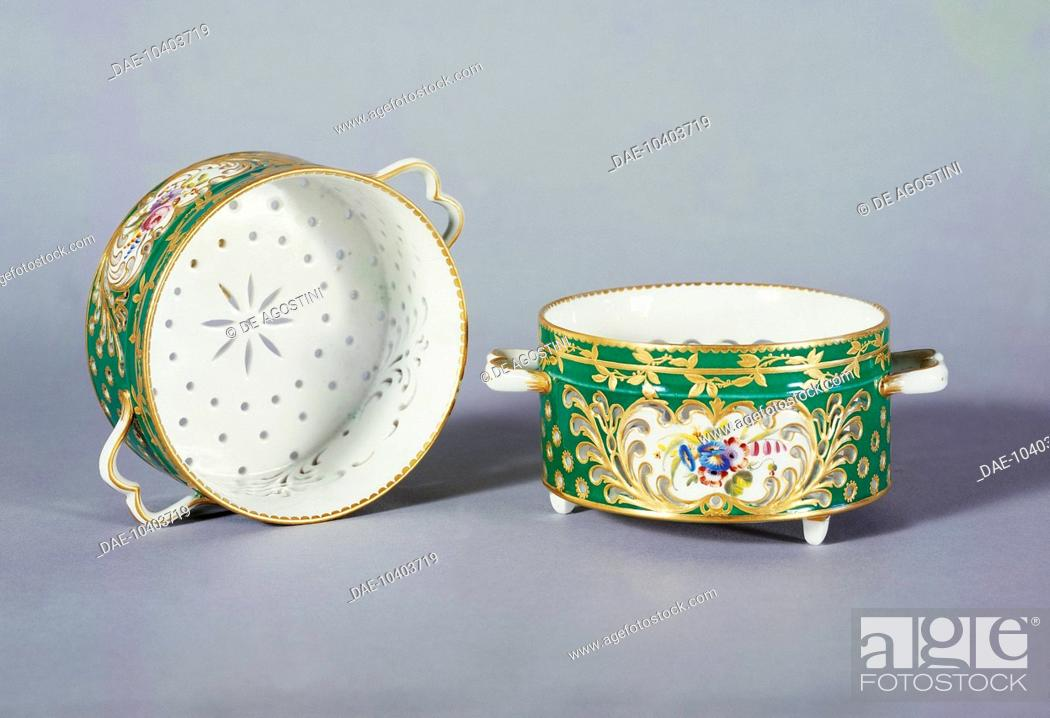 Stock Photo: Formaggiera (grated cheese dish), gold and lawn green, 1765, Sevres manufacture, Ile-de-France. France, 18th century.  Florence.