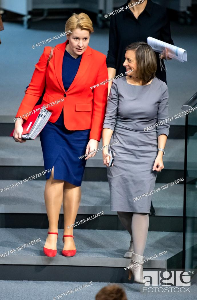 17 October 2019 Berlin Franziska Giffey Spd L Federal Minister For Family Affairs Stock Photo Picture And Rights Managed Image Pic Pah 191017 99 330723 Dpai Agefotostock