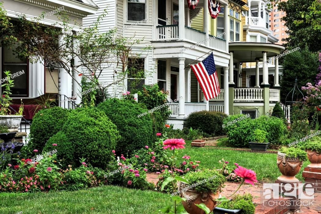Stock Photo: Historic homes in old town historic district, Portsmouth, Virginia, USA.