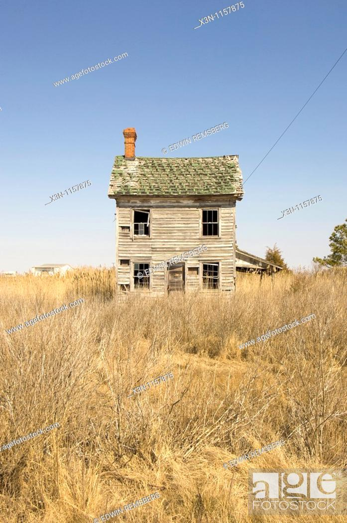 Stock Photo: House in field.