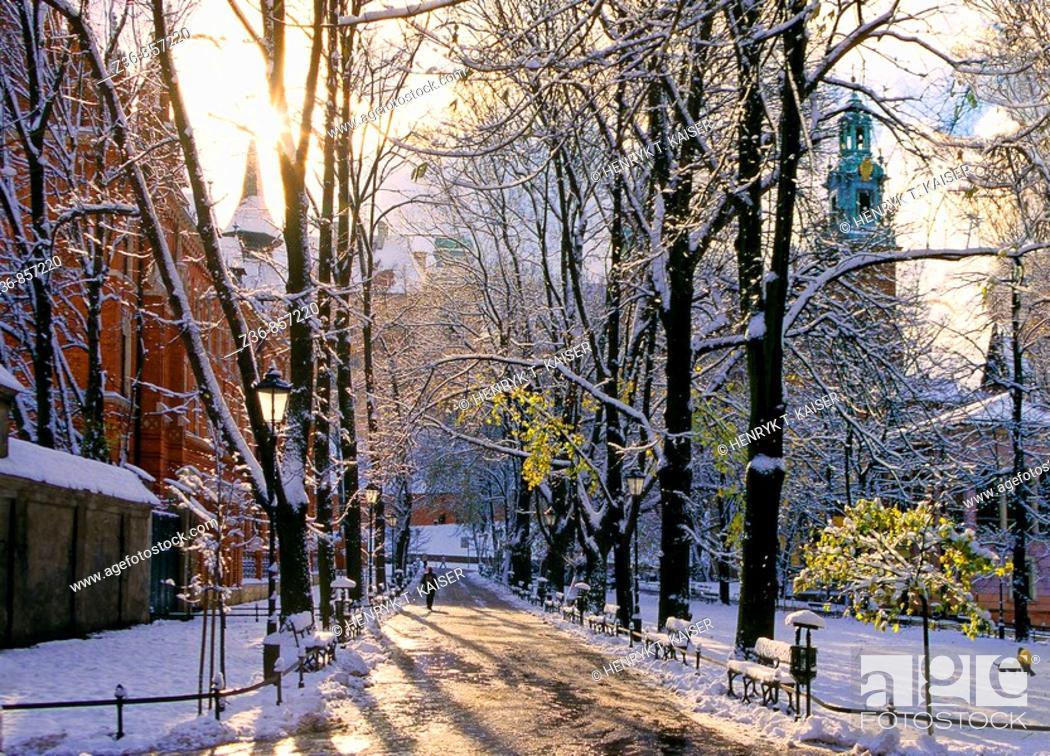 Stock Photo: Poland, Krakow, Wawel Royal Castle from Planty, winter.