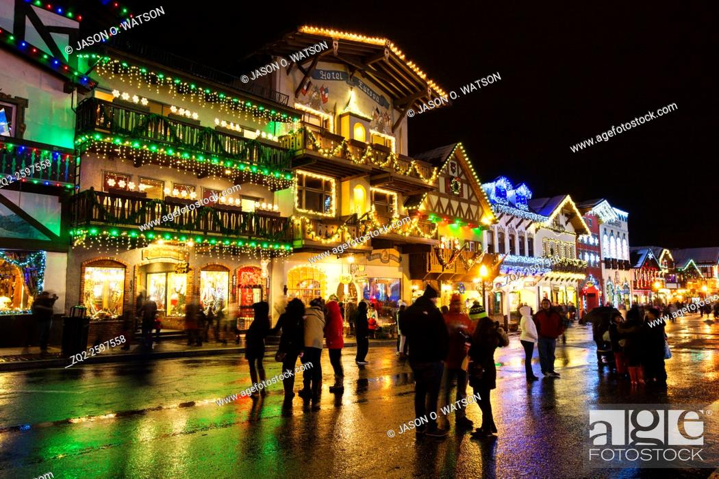 Leavenworth Christmas Lights.Bavarian Shops Decorated For Christmas During The Christmas