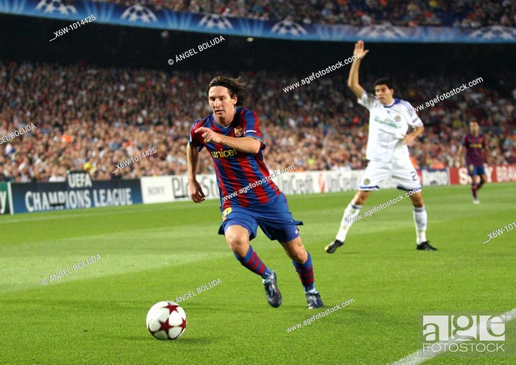 Stock Photo: Barcelona, Camp Nou Stadium, 29/09/2009, UEFA Champions League, FC Barcelona vs. FC Dynamo Kyiv, Leo Messi.