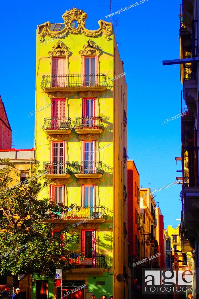 Imagen: Buildings. Plaça del Sol, Gracia quarter, Barcelona, Catalonia, Spain.