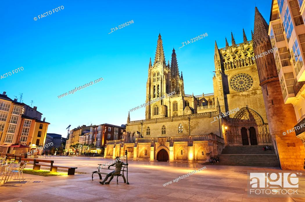 Imagen: Cathedral of Saint Mary of Burgos, Sarmental facade. Castile and Leon. Spain.