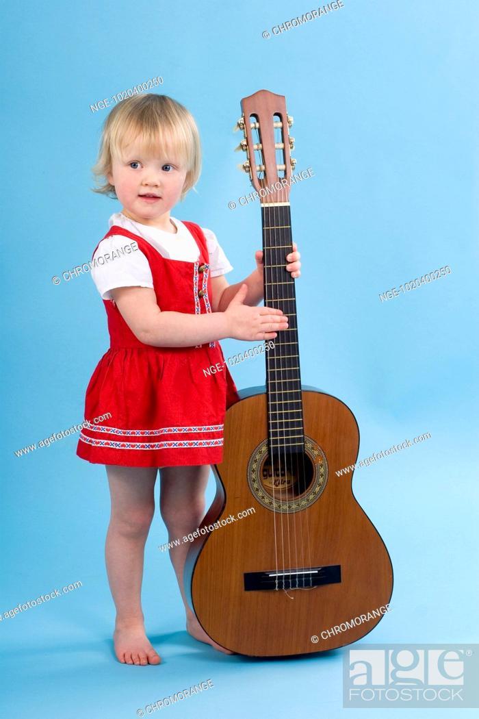 Imagen: Girl with Guitar.