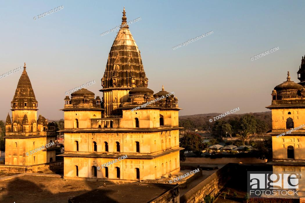 Stock Photo: Chhatris or cenotaphs of the Bundela Kings of Orchha. They are located at the kings' cremation sites on the bank of the Betwa River.