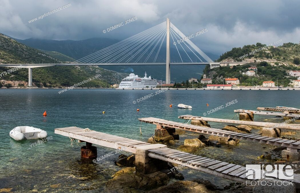 Stock Photo: The Franjo Tudman suspension bridge, Dubrovnik, Croatia, Europe.